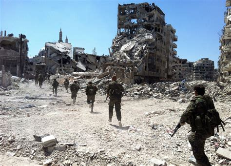 Syria: Government forces take control of strategic Homs
