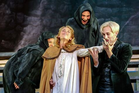 A Thrilling Night With The Vampire In Läckö : Seen and