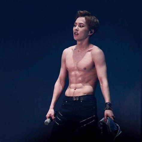 EXO Abs - Which EXO Members Have The Best Abs? | Channel-K