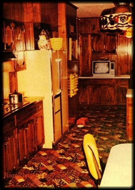 The Graceland Kitchen- The carpet is not the same today